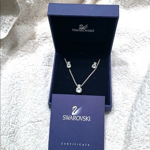 Swarovski stud earring and necklace set